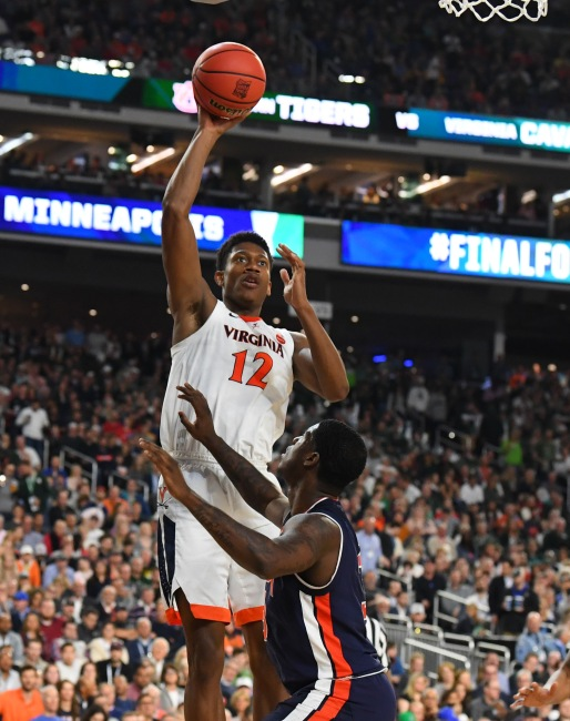 Apr 6, 2019; Minneapolis, MN, USA; Virginia Cavaliers guard De'Andre Hunter (12) shoots the ball over Auburn Tigers forward Danjel Purifoy (3) in the semifinals of the 2019 men's Final Four at US Bank Stadium. Mandatory Credit: Robert Deutsch-USA TODAY Sports